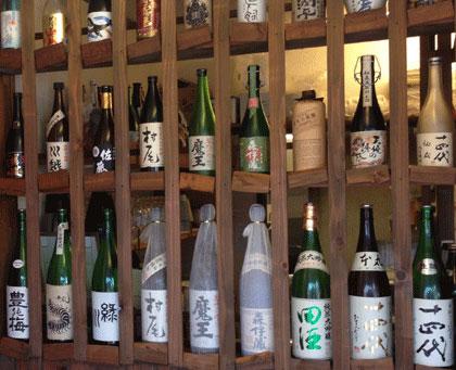 十四代や森伊蔵などプレミアムな日本酒・焼酎も、40種類以上ご用意しております